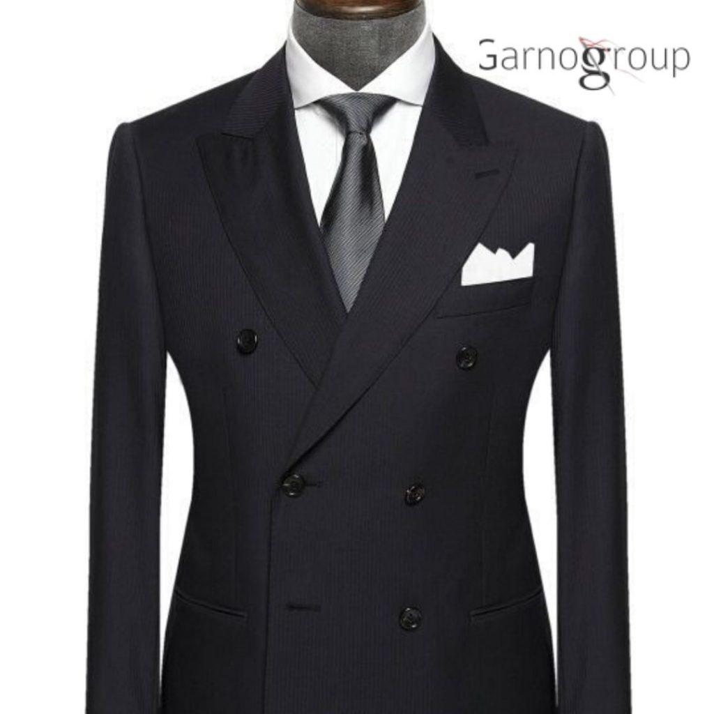 угольно-серым костюмам,Стильный и привлекательный костюм угольного