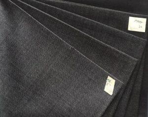 Стильный и привлекательный костюм угольного ,ткань для пошива стильного привлекательного угольного костюма